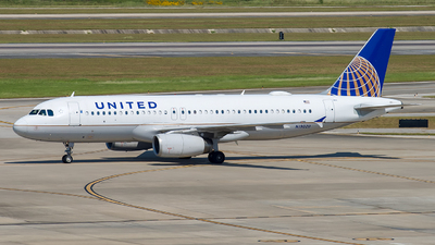 A picture of N1902U - Airbus A320232 - United Airlines - © Lynn Aisin-Gioro