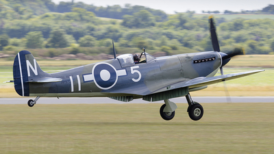G-BUAR - Supermarine Seafire LF.IIIc - Private