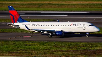 A picture of N620CZ - Embraer E175LR - [17000214] - © KenKen Huang