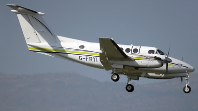 G-FRYI - Beechcraft 200 Super King Air - London Executive Aviation