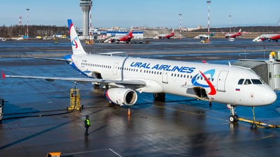 A picture of VPBVA - Airbus A321231 - Ural Airlines - © Alexander Lebedev
