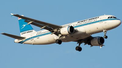 9K-AKB - Airbus A320-212 - Kuwait Airways