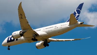 A picture of SPLRF - Boeing 7878 Dreamliner - LOT - © Bartosz Szarszewski