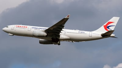 B-5975 - Airbus A330-243 - China Eastern Airlines