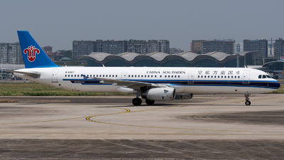 A picture of B6307 - Airbus A321231 - China Southern Airlines - © Mr.Huang