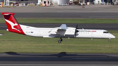 A picture of VHQOI - De Havilland Canada Dash 8400 - Qantas - © MQ1131