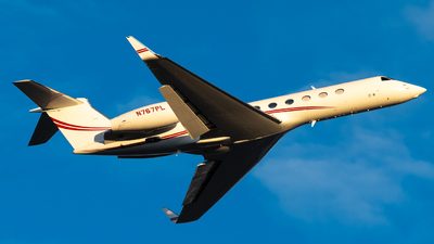 A picture of N767PL - Gulfstream G550 - [5249] - © Michael Place