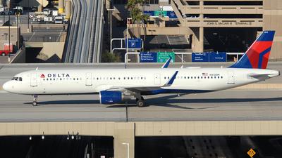 A picture of N312DN - Airbus A321211 - Delta Air Lines - © Jason Whitebird
