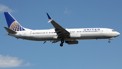 A picture of N73445 - Boeing 737924(ER) - United Airlines - © Xiamen Air 849 Heavy