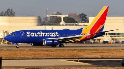 N932WN - Boeing 737-7H4 - Southwest Airlines