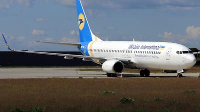 UR-PSD - Boeing 737-8HX - Ukraine International Airlines