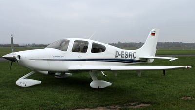 D-ESRC - Cirrus SR20 - Private