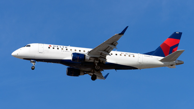 A picture of N235JQ - Embraer E175LR - Delta Air Lines - © Mingfei S