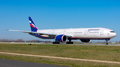 A picture of VQBQB - Boeing 7773M0(ER) - Aeroflot - © Julian Azeroth