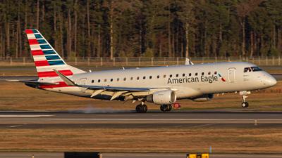 A picture of N220NN - Embraer E175LR - American Airlines - © Joe Waxman