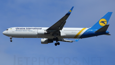 UR-GEB - Boeing 767-33A(ER) - Ukraine International Airlines