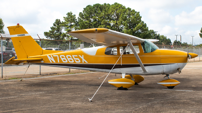 A picture of N7665X - Cessna 172B Skyhawk - [17248165] - © Matt Allison