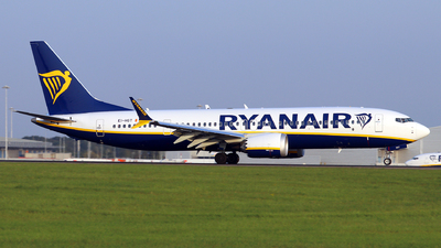A picture of EIHGT - Boeing 737 MAX 8200 - Ryanair - © Dave Potter