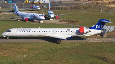A picture of EIFPX - Mitsubishi CRJ900LR - SAS - © Bjorn van der Velpen
