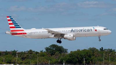 A picture of N184US - Airbus A321211 - American Airlines - © Mark Lawrence