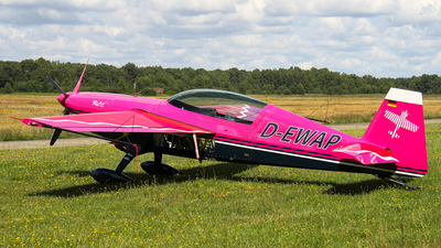 D-EWAP - Extra EA 300 - Private