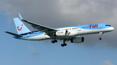 A picture of GOOBG - Boeing 757236 - [29942] - © Toni Marimon