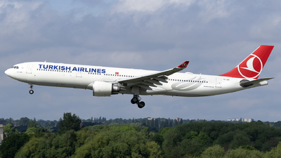 A picture of TCJNS - Airbus A330303 - Turkish Airlines - © Dan Smith
