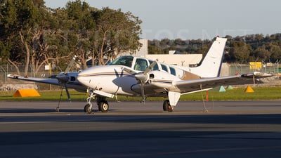 VH-SQG - Beechcraft 58 Baron - Singapore Flying College