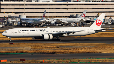JA8945 - Boeing 777-346 - Japan Airlines (JAL)