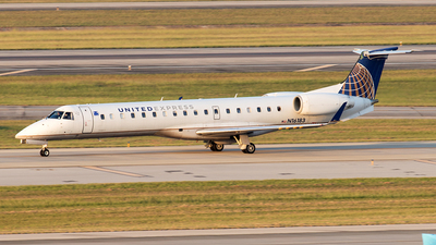 A picture of N16183 - Embraer ERJ145XR - United Airlines - © Yixin Chen