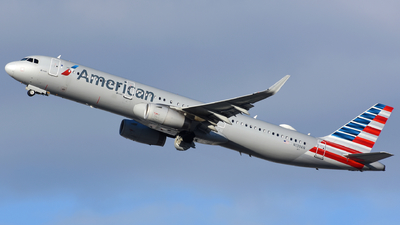 A picture of N139AN - Airbus A321231 - American Airlines - © Martin Nimmervoll