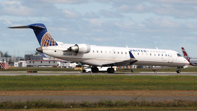 A picture of N521LR - Mitsubishi CRJ701ER - United Airlines - © Guy Langlois