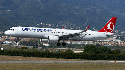 A picture of TCLSB - Airbus A321271NX - Turkish Airlines - © Fernando Roca