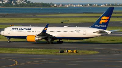 A picture of TFISN - Boeing 767319(ER) - Icelandair - © Hudson Garber