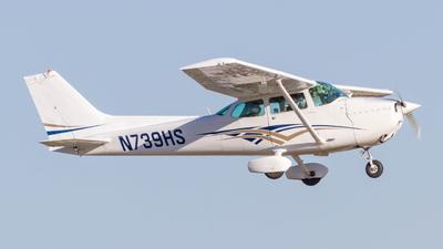 A picture of N739HS - Cessna 172N Skyhawk - [17270561] - © Mangus