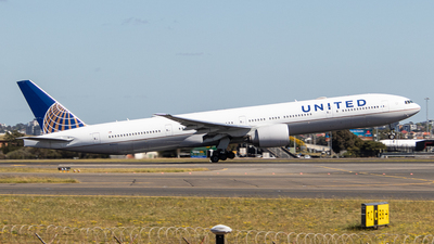 A picture of N2644U - Boeing 777322(ER) - United Airlines - © Clinton_vern