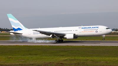 A picture of CSTSV - Boeing 76734P(ER) - EuroAtlantic Airways - © Carlos Miguel Seabra