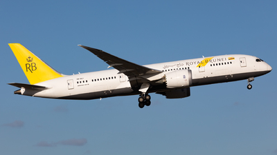 V8-DLC - Boeing 787-8 Dreamliner - Royal Brunei Airlines