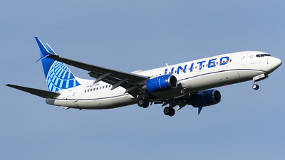 A picture of N37298 - Boeing 737824 - United Airlines - © Wes B