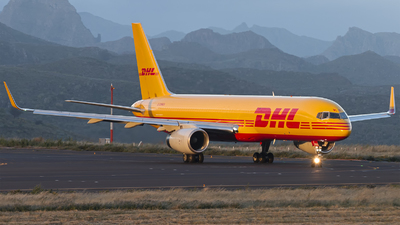 G-DHKN - Boeing 757-223(PCF) - DHL Air