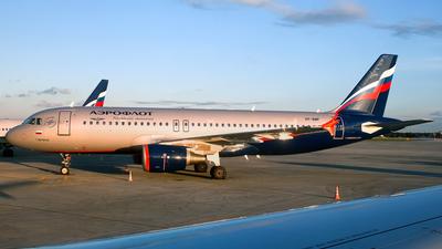 VP-BMF - Airbus A320-214 - Aeroflot