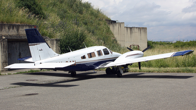 OK-SAN - Piper PA-34-220T Seneca III - Private
