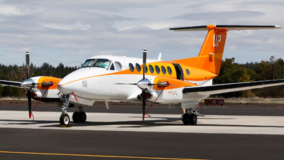N829UP - Beechcraft B300 King Air 350i - Wheels Up