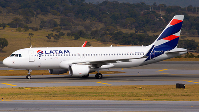 PR-OCT - Airbus A320-214 - LATAM Airlines