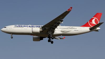 TC-LNA - Airbus A330-223 - Turkish Airlines