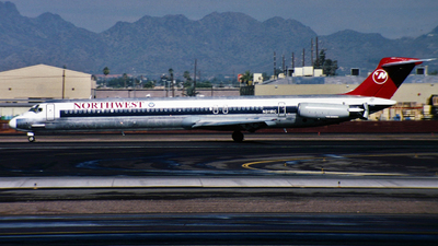 N311RC - McDonnell Douglas MD-82 - Northwest Airlines