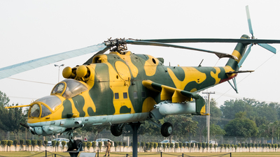 0724 - Mil Mi-24 Hind - Afghanistan - Air Force