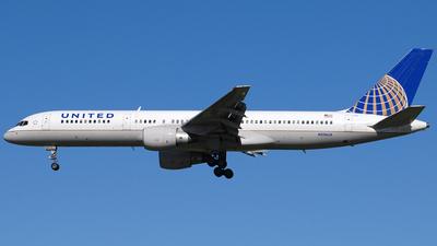 A picture of N516UA - Boeing 757222 - [24860] - © Jason Whitebird