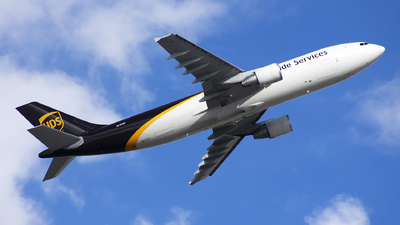 A picture of N139UP - Airbus A300F4622R - UPS Airlines - © Michael Rodeback