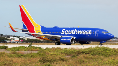 A picture of N769SW - Boeing 7377H4 - Southwest Airlines - © Hensley Garcia